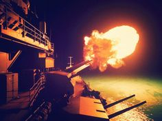 Potrebbe essere il più grande scandalo della storia della Marina americanahttp://tuttacronaca.wordpress.com/2013/10/22/navygate-lo-scandalo-della-marina-americana-che-rischia-di-affondarla/