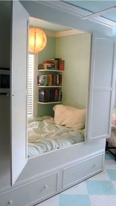 Hidden Closet Bedroom. But...but...how do you change the sheets? How do you even get the bed in there?!