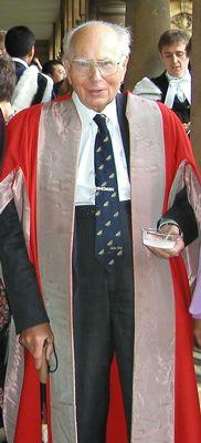 Andrew Fielding Huxley (Hampstead, Londres, Reino Unido, 22 de noviembre de 1917 - Grantchester, Cambridgeshire, 30 de mayo de 2012) fue un fisiólogo y biofísico británico, Orden de Mérito del Reino Unido y Miembro de la Royal Society.1 Recibió el Premio Nobel de Medicina en 1963 por su trabajo junto con Alan Lloyd Hodgkin sobre la base de los potenciales de acción de los nervios
