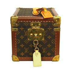 1stdibs | LOUIS VUITTON Monogram Beauty Case rt. $4,050