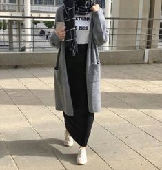Hijab fashion The World According to Designer Handbags 101 Article Body: There's a new kid on the bl Modest Fashion Hijab, Modern Hijab Fashion, Street Hijab Fashion, Muslim Women Fashion, Islamic Fashion, Hijab Chic, Casual Hijab Outfit, Ootd Hijab, Hijab Dress