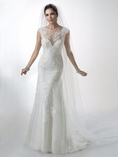 Maggie Sottero Savannah haute couture hääpuku wedding dress  bridal gown pin