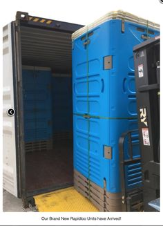 RapidLoo demountable portable toilet in Australia / Economic and smart packaging of 4