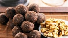 Brain Balls Ingredients 2 cups walnuts, halves and pieces 1 cup sunflower seeds 1 cup coconut, shredded cup cocoa powder 8 fresh dates,. Clean Recipes, Organic Recipes, Raw Food Recipes, Healthy Recipes, Healthy Sweets, Healthy Snacks, Food Shows, Sunflower Seeds, Recipes