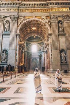 The light shine upon thee. #stpeters #church #Rome #Italy #vsco #vscocam #travel #photography #D700 #travelphotographer