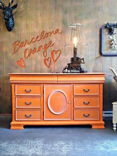 Quebec stockist Piorra Maison shares a beautiful buffet finished in Barcelona Orange and White Chalk Paint® Wax. The walls were also painted in Olive,Scandinavian Pink, Burgundy and Barcelona Orange Chalk Paint®.