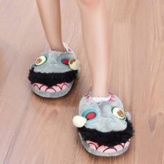 SHARE & Get it FREE | Plants Vs Zombies Cartoon Fuzzy SlippersFor Fashion Lovers only:80,000+ Items • FREE SHIPPING Join Twinkledeals: Get YOUR $50 NOW!