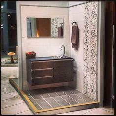 Δημιουργίες των εκθέσεων μας στην Ανθούσα, Πειραιά και Χαϊδάρι. Μπάνιο Ανθούσας. Μάθετε περισσότερα στο www.kypriotis.gr - #kypriotis #kipriotis #plakakia #plakidia #anakainisi #athens #ellada #greece #hellas #banio #dapedo Vanity, Mirror, Bathroom, Furniture, Home Decor, Dressing Tables, Washroom, Powder Room, Decoration Home