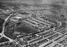 Northampton cricket ground surrounded by terraced houses and shoe-making factories in 1926 Northampton Shoes, Northampton Town, New Britain, Great Britain, Wallace Monument, Hampden Park, English Heritage, Historical Monuments, Rare Pictures