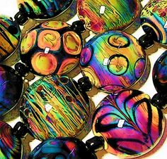Beads by Dawn Scannell. Great colors!