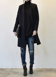 Black turtleneck! dark coat, turtleneck and ripped jeans