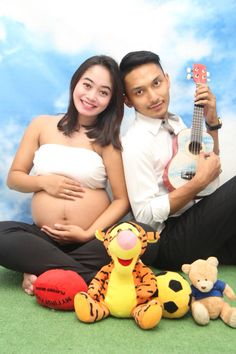 Maternity photography , mom and dad to be ...
