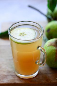 A delicious warm apple cider vinegar dink recipe that tastes like hot apple cider. Apple cider vinegar detox drinks made with Bragg's ACV. Apple Cider Vinegar Tea, Warm Apple Cider, Cold Home Remedies, Natural Remedies For Anxiety, Natural Cures, Herbal Remedies, Health Remedies, Natural Health, Vinegar Detox Drink