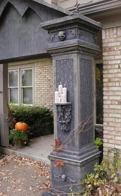 I'm building these for 212 Halloween party! Originals by Eerie on Halloween forum! Diy Halloween, Halloween Fence, Halloween Outside, Halloween Forum, Halloween Graveyard, Halloween Tombstones, Halloween Yard Decorations, Outdoor Halloween, Halloween Projects