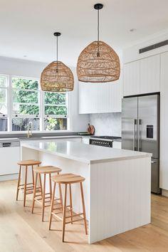 Boho Kitchen, Farmhouse Style Kitchen, Kitchen Styling, New Kitchen, Kitchen Decor, Home Room Design, Interior Design Kitchen, Classic Kitchen, Kitchen Cabinetry