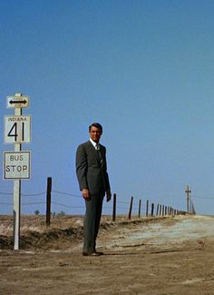 Cary Grant - NORTH BY NORTHWEST (Alfred Hitchcock, 1959)
