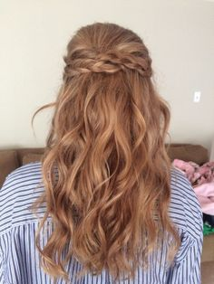 Very simple and elegant for anything from going out to a prom or wedding. I did this for a homecoming. Good for almost any hair type || Hair by Kayla Johnson
