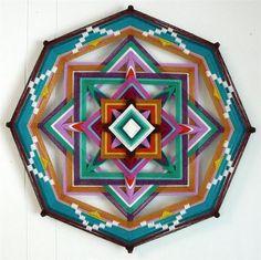 """Conheça as belas e coloridas mandalas chamadas """"Olhos de Deus"""", de Jay Mohler!"""
