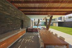 Casas Minimalistas y Modernas: Quinchos Modernos en Villas Lujosas en Venta