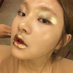jackal's adventures in beauty Makeup Art, Eye Makeup, Makeup Ideas, Beauty Skin, Beauty Makeup, Gold Makeup Looks, Gold Skin, Types Of Makeup, Crazy Hair