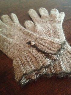 Ravelry: Zwitscherhexe's Luxury Gloves