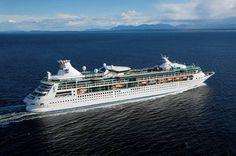 Le Rhapsody of the seas, compagnie Royal Carribean. Capacité: 1998 passagers. #croisière #croisierenet.com #voyage #bateau #RoyalCarribean