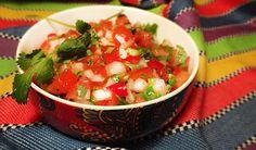 Мексиканская Сальса «Пико де гальо» (Salsa «Pico de Gallo»), пико де гайо: помидор, чили серрано, кинза, сладкий белый лук, лайм, перец, соль