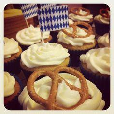 Oktoberfest Cupcakes! not german great for german club