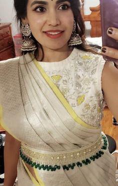 Wedding Saree Blouse Designs, Saree Blouse Neck Designs, Fancy Blouse Designs, Saree With Belt, Saree Belt, Stylish Blouse Design, Saree Trends, The Dress, Emo Hairstyles