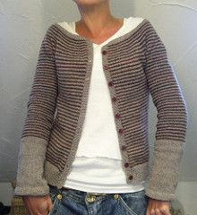 was worth the effort working with fine yarn and needles…think I´m gonna wear it a lot worked topdown
