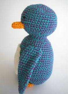 Deze knuffel staat trots in de shop bij Anama! Crochet Animals, Knitted Hats, Dinosaur Stuffed Animal, Great Gifts, Knitting, Cute, Crocheted Animals, Tricot, Breien