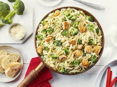 Poulet et Brocoli Alfredo - Cuisinez avec Campbells Pasta Recipes, New Recipes, Chicken Recipes, Cooking Recipes, Recipe Chicken, Recipies, Skillet Recipes, Supper Recipes, Yummy Recipes
