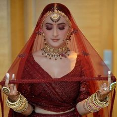 Looking for Bridal Lehenga for your wedding ? Dulhaniyaa curated the list of Best Bridal Wear Store with variety of Bridal Lehenga with their prices Wedding Lehenga Designs, Designer Bridal Lehenga, Indian Bridal Lehenga, Pakistani Bridal Dresses, Indian Bride Dresses, Indian Bridal Photos, Indian Bridal Outfits, Indian Bridal Fashion, Bridal Looks