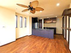 大胆なシーリングファンが目を惹きます Sankyo, Ceiling Fan, Design, Home Decor, Decoration Home, Room Decor, Ceiling Fan Pulls, Ceiling Fans