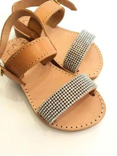 ec757b84a8e 18 εικόνες με ΣΑΝΔΆΛΙΑ που εμπνέουν περισσότερο | Bare foot sandals ...