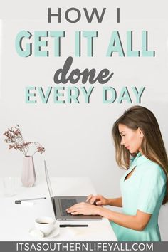 How to Plan Your Week Time blocking will help you easily plan your week effectively. Get it all done with better time management skills and productivity when you use these scheduling tips and hacks. Work Productivity, Productivity Quotes, Increase Productivity, Time Management Strategies, Time Management Skills, How To Stop Procrastinating, Stress, How To Get, How To Plan