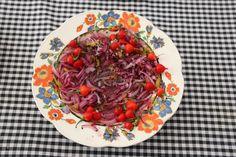 molho de cebola roxa + limão + azeite de oliva + pimenta biquinho fresca do quintal da mãe de Lu