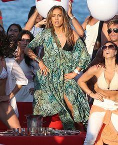 Jennifer Lopez - J-Lo & Pitbull Filming Her New Music Video Live It Up