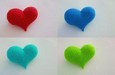 Crochet heart (amigurumi)- Made one today pattern is a little difficult to read in spots but turned out good. Love Crochet, Crochet Motif, Crochet Flowers, Crochet Patterns, Crochet Crafts, Crochet Toys, Crochet Projects, Crochet Wedding Favours, Wedding Favors