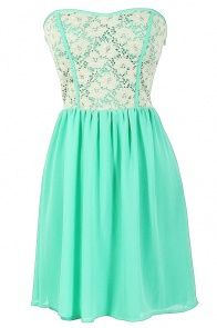 Love this color. Because it's my favorite haha but such a cute dress and I love the laced top