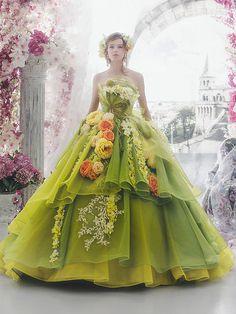 Incredibly romantic Disneyland Princess Wedding Gown Source by neuebrautkleider Flower Dresses, Ball Dresses, Pretty Dresses, Ball Gowns, Prom Dresses, Dresses Uk, Strapless Dress, Fairytale Dress, Fairy Dress