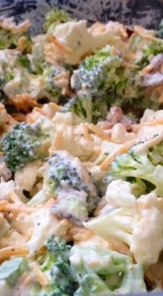 Saw this recipe and couldn't resist! I'm sure it would taste just as good without the sugar! This recipe is so easy, Just mix all ingredie. Brocolli And Cauliflower Recipes, Amish Broccoli Salad, Brocolli Salad, Broccoli Recipes, Healthy Broccoli Salad, Pea Salad, Soup And Salad, Amish Recipes, Cooking Recipes