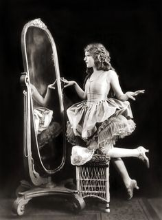 Mary Pickford - c. 1920 - Ziegfeld Girl - Photo by Alfred Cheney Johnston - @~ Mlle