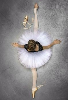 """""""There is no pain in ballet."""" If you understand that, you understand why you became a dancer. Ballet Pictures, Dance Pictures, Foto Sport, Belly Dancing Classes, Dance Poses, Fred Astaire, Ballet Photography, Photography Poses, Ballet Beautiful"""