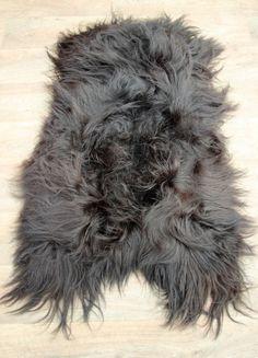 IJslandse schapenvacht langhaar  zwart nr 1648