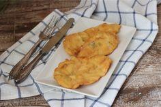 Filetes de pechuga de pollo empanados a la albahaca