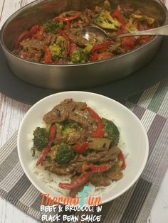 If you enjoy Chinese cuisine then this Thermomix Beef & Broccoli in Black Bean Sauce will be a regular on your meal plan! Make it simple! Make it delicious! Chinese Cooking Wine, Asian Pork, Free Meal Plans, Broccoli Beef, Asian Recipes, Chinese Recipes, Evening Meals, Beef Dishes, Nutritious Meals