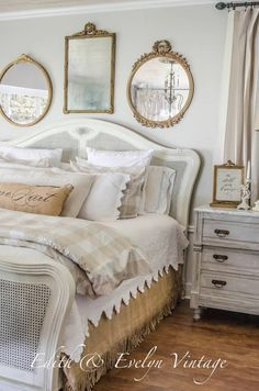 20 Inspiration With Curtain Country Bedroom shabby chic decor, bedroom country, vintage country bedroom, country home bedroom, country bedrooms ideas farmhouse decor country French Country Rug, French Country Bedrooms, French Country Living Room, French Country Decorating, French Decor, Country Style, Vintage Country, French Cottage Decor, Cottage Decorating