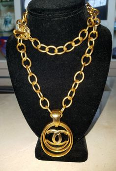 9817fee76ccb 100%AUTH CHANEL LONG GOLD TONE CHUNKY CHAIN NECKLACE LARGE CC LOGO PENDANT   CHANEL  CHAINWPENDANT