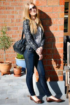Polished Cats: Outfit: Stylish in Jeans